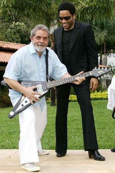 O mega-star Lenny Kravitz até sumiu do show-business após presentear o petista com sua guitarra famosa.